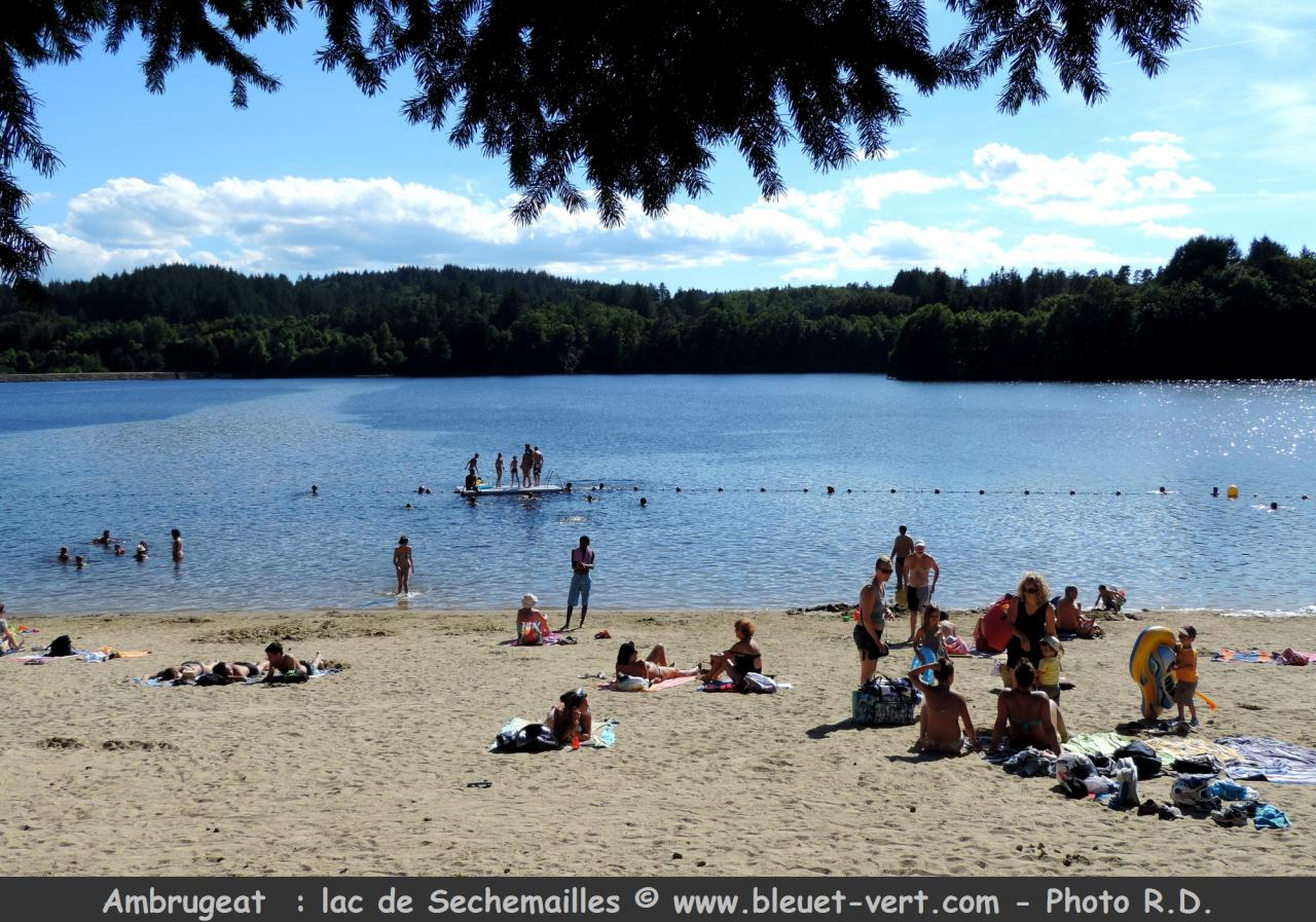 Ambrugeat : Plage - Lac Sechemailles